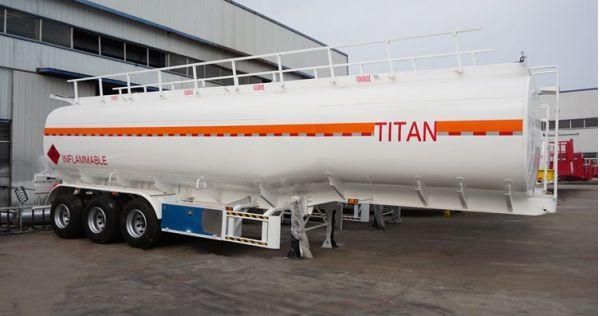 Diseños y especificaciones de camiones cisterna de aceite de 3 ejes a la venta en Malawi