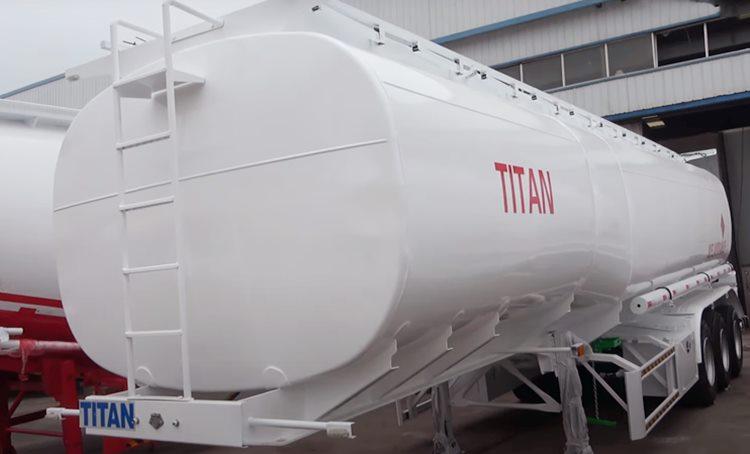 Venta de remolque cisterna de combustible de 40.000 L