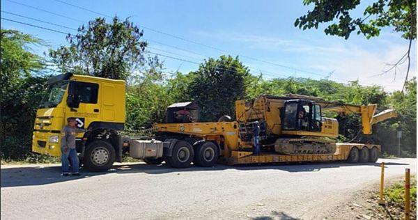 Remolque Lowboy de cuello de cisne extraíble de 120 toneladas a la venta en Nigeria