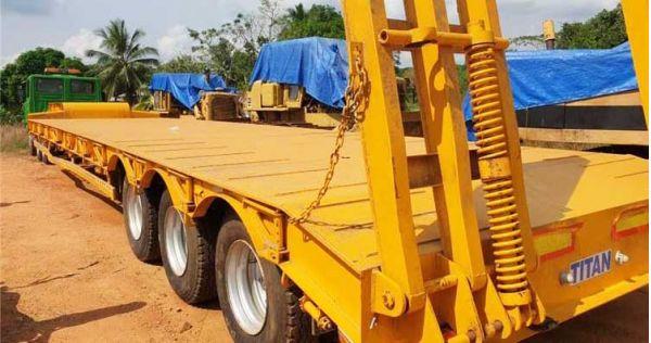 Semirremolque de cama baja de 60 toneladas en venta en Zimbabwe Harare