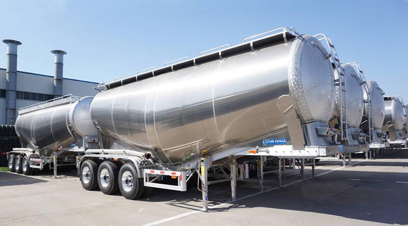 Remolque cisterna de cemento a granel TITAN