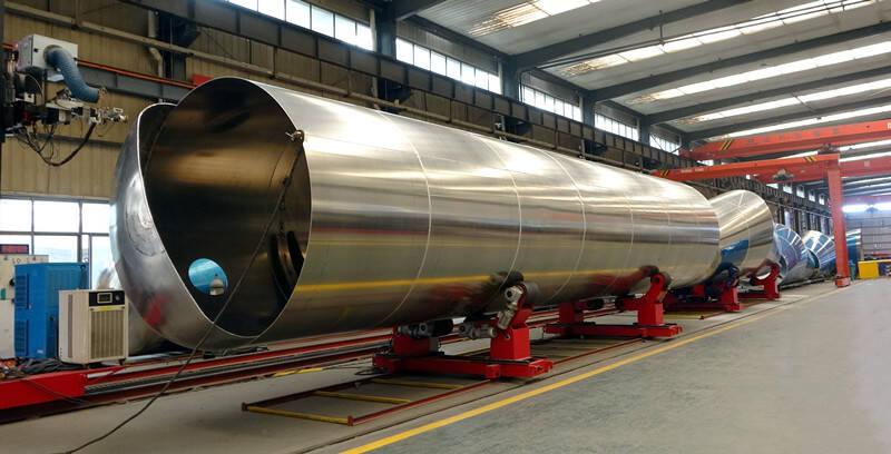 Fábrica de remolques cisterna de combustible TITAN