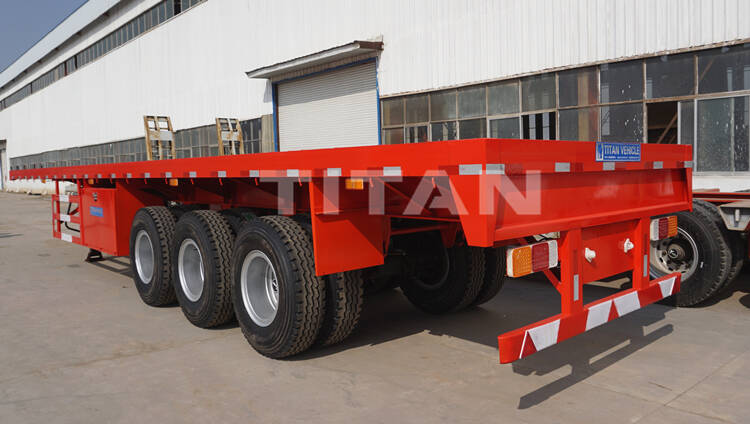 The commercial flatbed trailer adopts LED lights