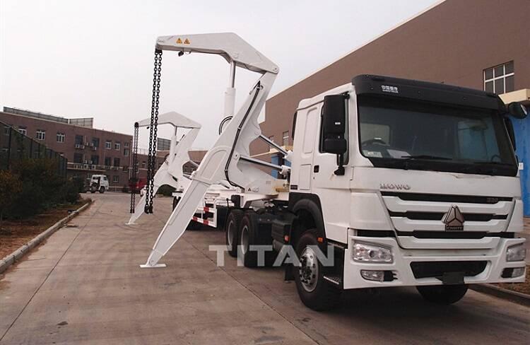 37 ton trailer kontainer menunggu pengiriman